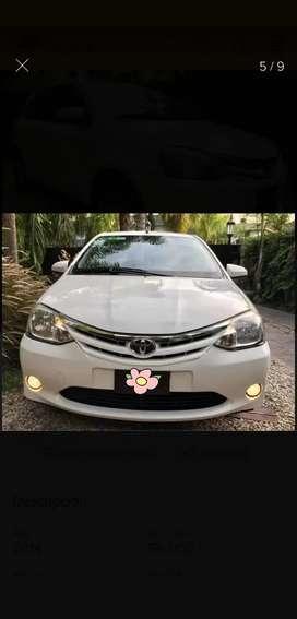 Dueña Vende Toyota Etios