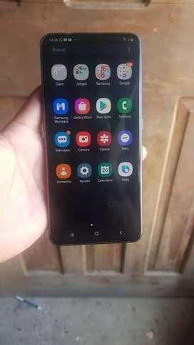 Samsung A80 con camara giratoria 8 gb de RAM 128 meria interna  estado  10/10