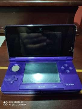 Nintendo 3DS, cargador, estuche y seis juegos