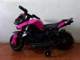 Vendo moto de baterías