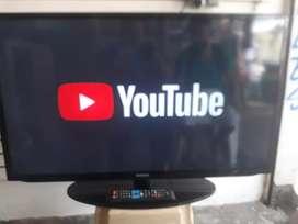 """Vendo Samsung Smart TV de 40"""" perfecto estado con su control"""