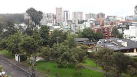 Arriendo amplio departamento con terraza en Quito Tenis
