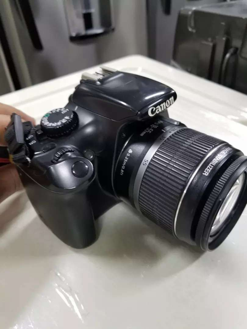 Cámara Canon Rebel T3 0