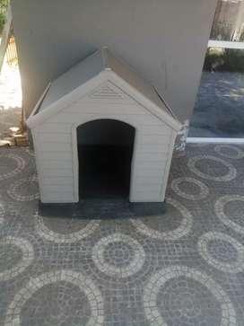 Casa para perro grande keter