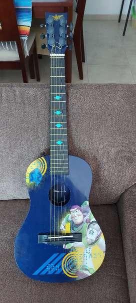 Guitarra de toy story en perfecto estado