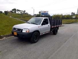 Camioneta estacas 4x2 gasolina