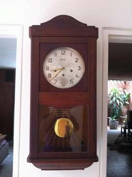 Reloj de péndulo alemán marca Jawaco original