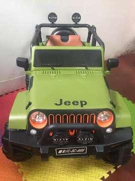 Carro a batería Jeep 4x4 para niño