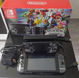 Nintendo Switch + Estuche + 4 Juegos