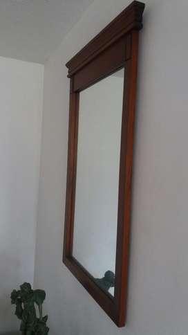 Espejo Decorativo en Madera Masiva