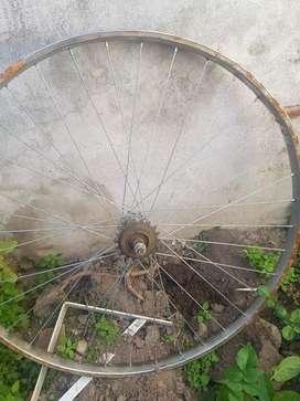 2 ruedas bici rod 28 el par x $200