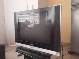 Televisor Samsung antiguo