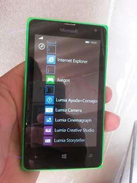 Celular Microsoft Lumia 435 con detalle con detalle