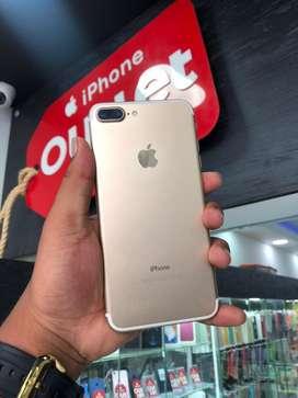 En venta hermoso iPhone 7Plus Color Gold