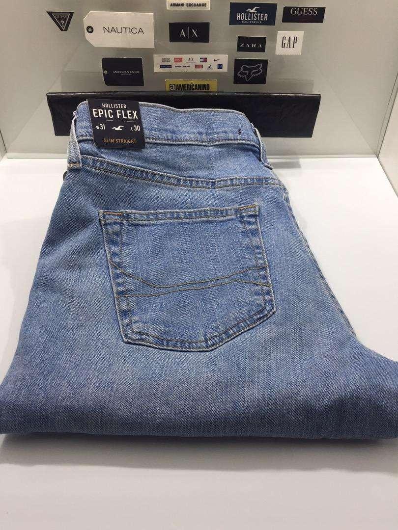 Jean HOLLISTER talla w31 L30 Slim Straight Epic Flex 0