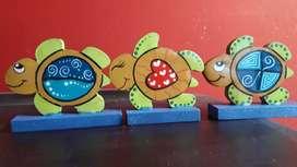 Tortugas en madera