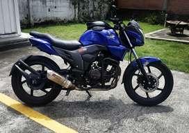 Vendo moto Honda Invicta modificada