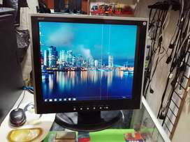 Monitor cuadrado Acer   17
