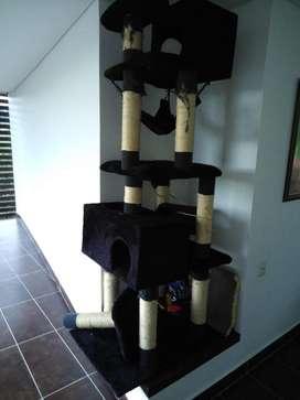 Gimnasio para gato completo