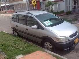 Camioneta Zafira 2003