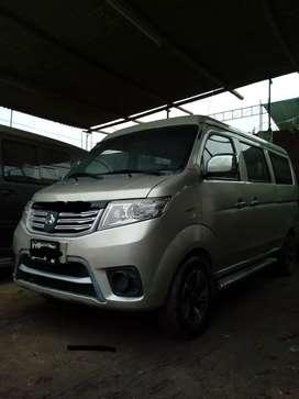 Mini van Changan 8 pasajeros