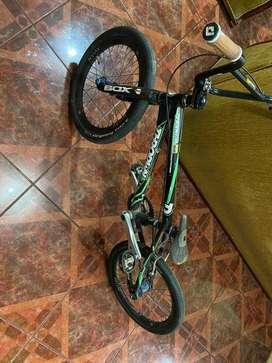 Bicicleta de bmx gama alta