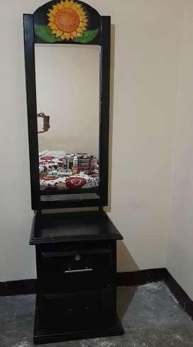 Se vende cama tarima y espejo