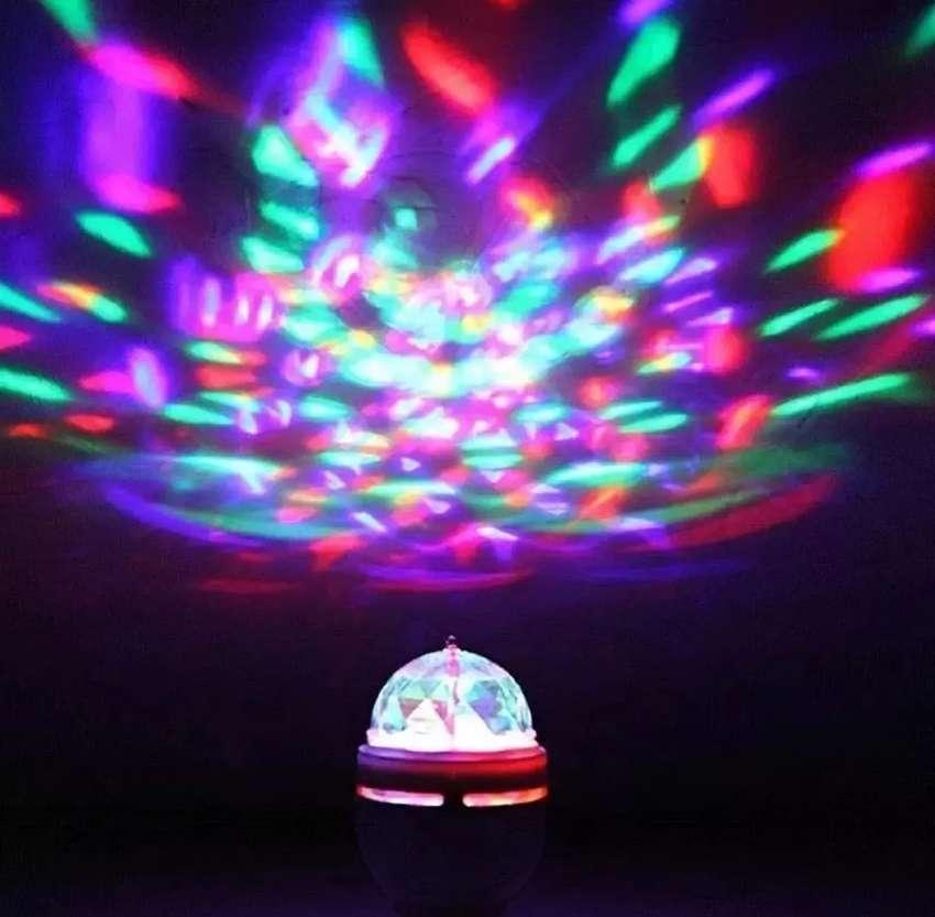 Bombillo rotatorio de colores tipo discoteca o luces navidad 0