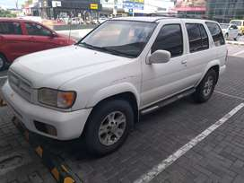 Nissan Pathfinder 2000 manual 4x4 (NEGOCIABLE)