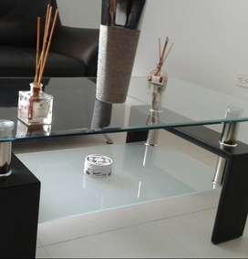 $ 550.000 vendo mesa de centro de sala en cristal precio 480 mil