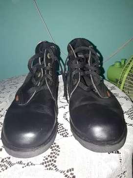 Vendo botas Unicef