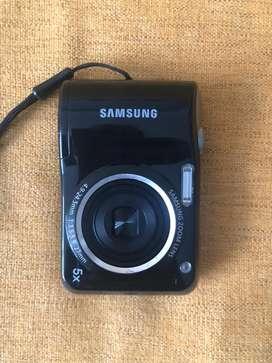 Camara digital marca SAMSUNG