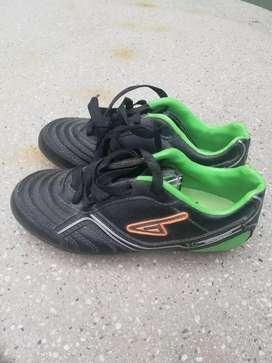 Calzado deportivo.