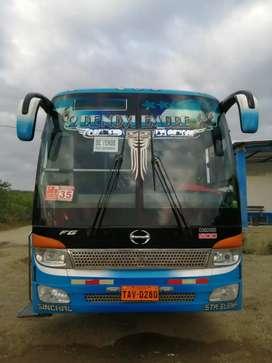 Se vende bus intraprovincial Hino FG 2009 CEPEDA SILVER