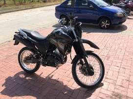 Moto Yamaha modelo XTZ 250  año 2021 color negro papeles al día  día