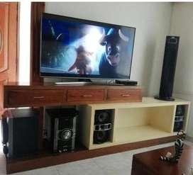Mueble para  TV y equipo de sonido