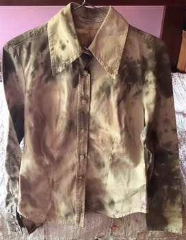 Camisa  camuflada Marca Zara