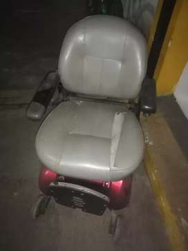 Silla de ruedas eléctrica para restaurar