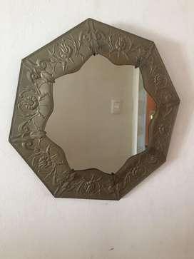 Espejo de Pared con Bordes Trabajados