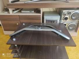 """Base de mesa para TV de 50"""""""