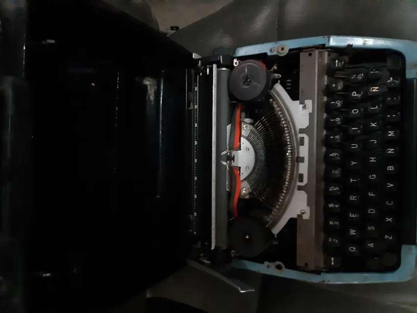 Máquina de escribir 0