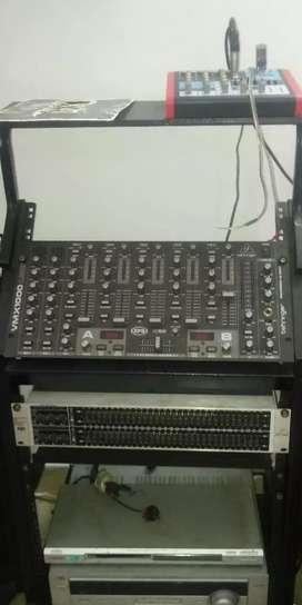Amplificadores 2450 QSC AMPLIFICADOR SKP 1210 EQUALIZADORDE 62 CUCHILLAS MARCA BERINGER