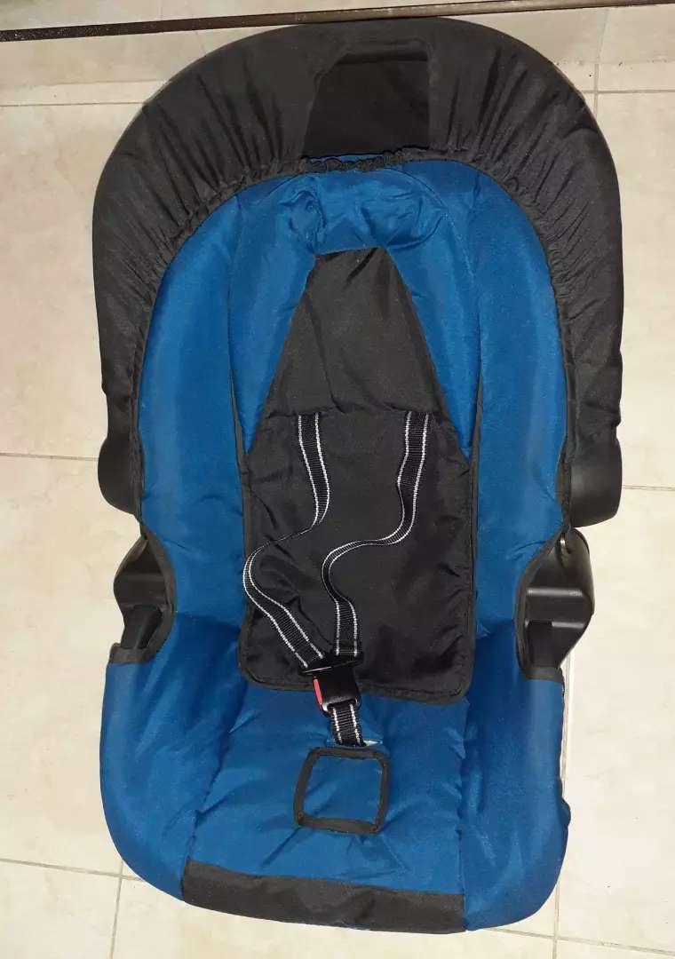 Moises y silla para carro negociables marca bebesit 0