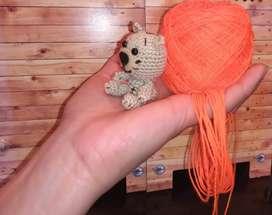 Mini osito tejido a crochet