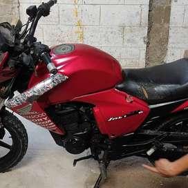 Vendo Moto Invicta 2011