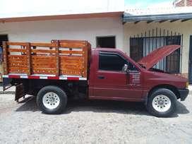 Camioneta chevrolet luv 2300 de estaca.