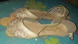 Talla 37 Zapatillas, zapatos o sandalias Nuevas