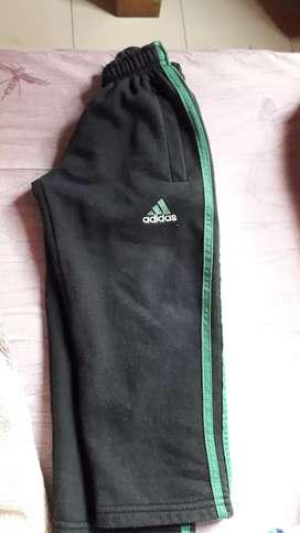 Pantalones de nene talle 4 usados los 3 x 500$
