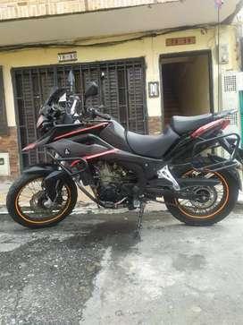 Moto AKT 250 ADVENTOUR