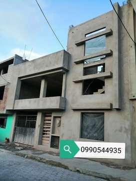Casa nueva en construcción, en el sur de Quito, planos aprobados en